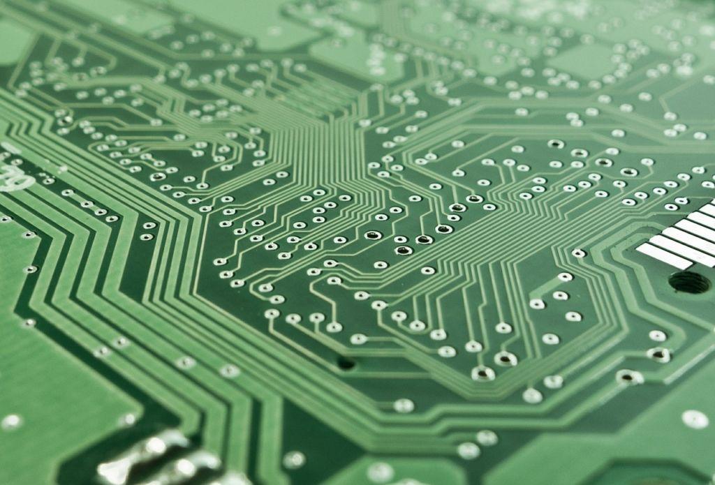 објекти који имају уграђен чип са неком врстом сензора